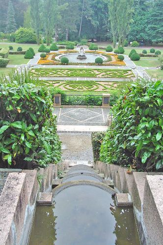 -- fountain park italy house parco green villa old fontana varese